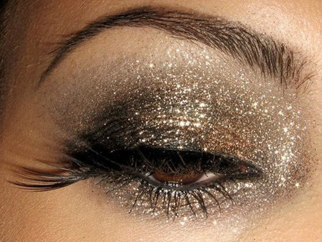 here's a pretty basic glittery eye look: nice gold and browns highlighted by pretty gold and silver glitter. perfect for HPS.