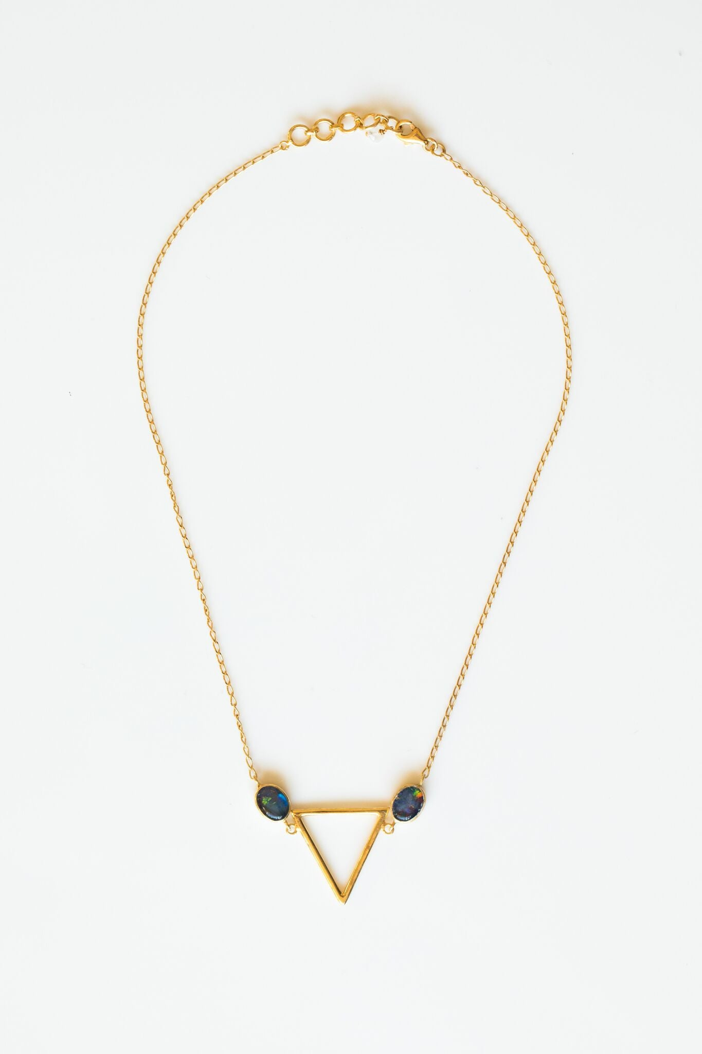 LOLOONA TRIANGLE NECKLACE