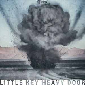 Little key, heavy door