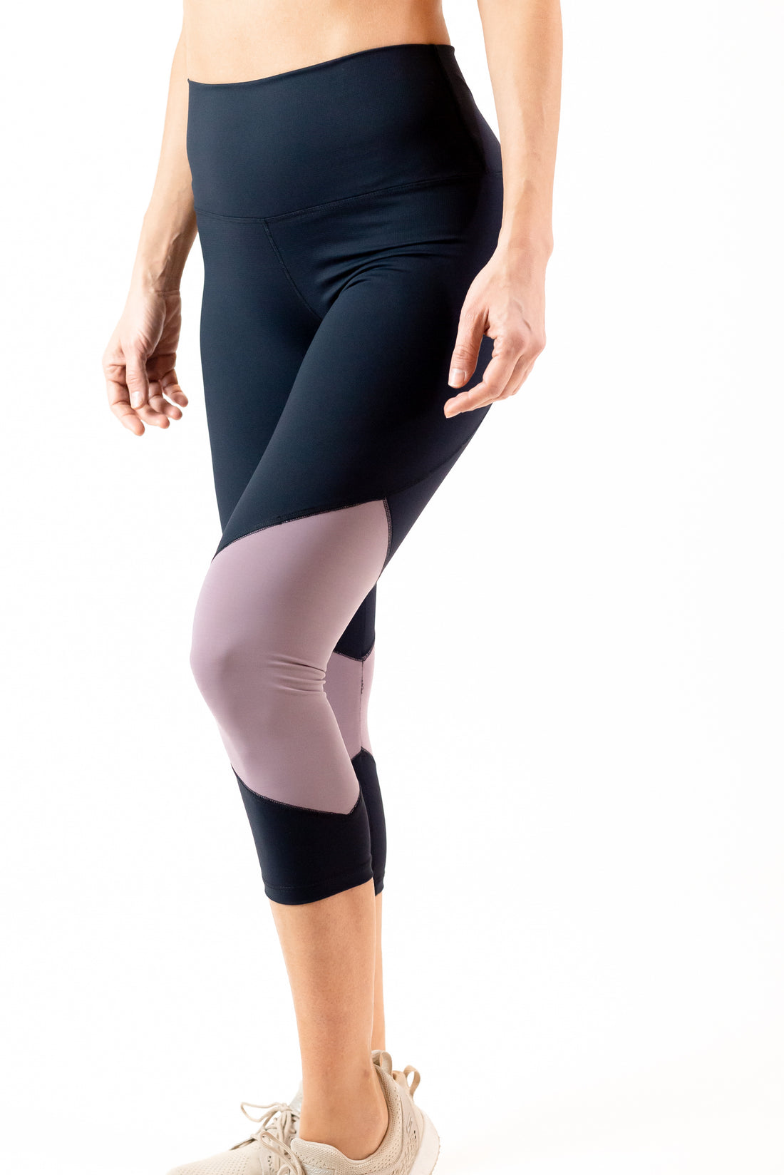 Compression In-Motion Tech Legging 7/8 - High Waisted - Final Sale