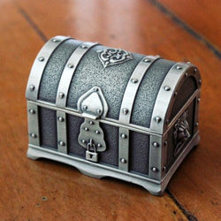 Metal Pirate Chest, Chest, Mokelli