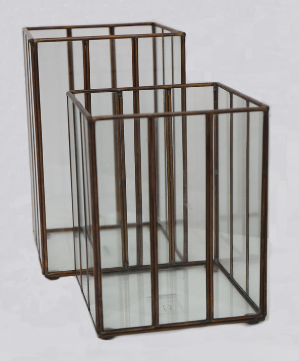 160185 	Small Square lantern candle holder , metal & glass Sml
