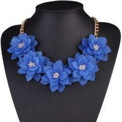 Sequent Flowers Necklace