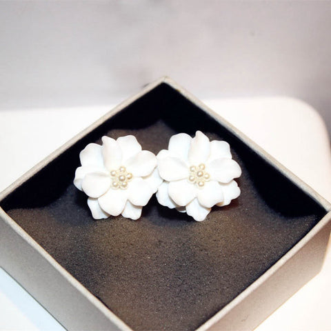 Big white flower earrings hellodefiance hellodefiance big white flower earrings best hellodefiancecheap mightylinksfo