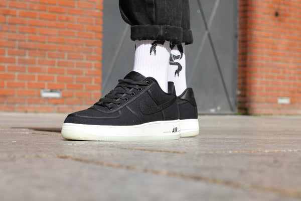 buy online 5d8c3 42362 Nike Air Force 1 Low Retro QS Canvas (Black) Nike - Nowhere