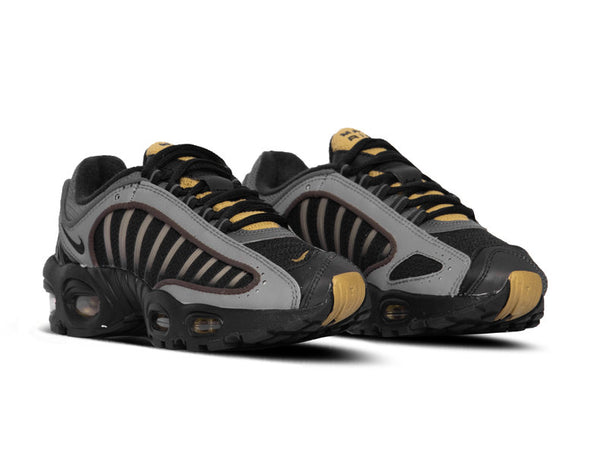 Nike: Air Max Tailwind IV (Black/Metallic Pewter)