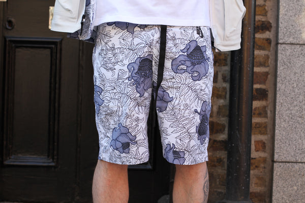 NikeLab: Floral Shorts (White/Dark Obsidian/Black) NikeLab - Nowhere