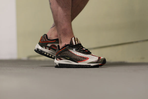 Nike: Air Max Deluxe (Sequoia) Nike - Nowhere