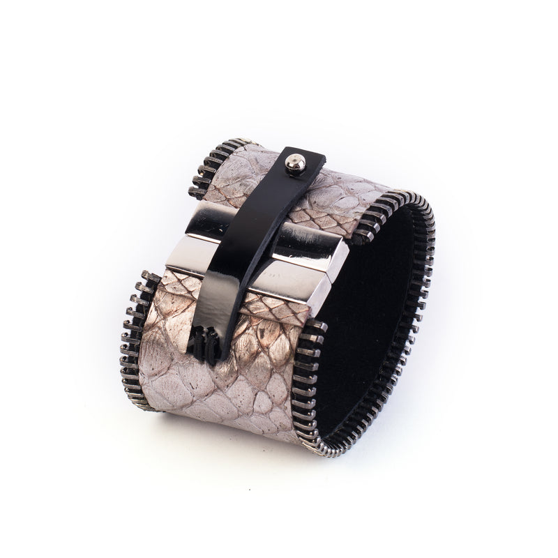 leather bracelet The lavish lure