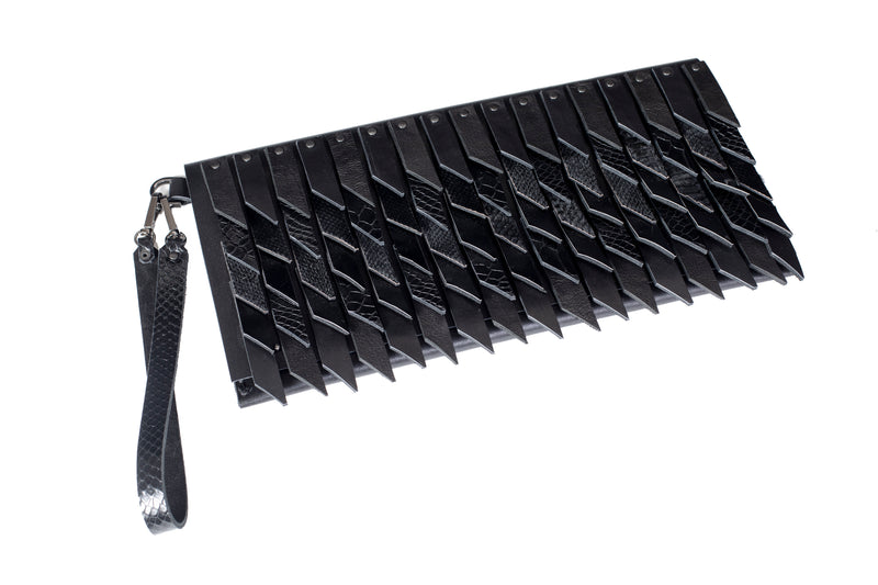 Bags The Darling Clutch