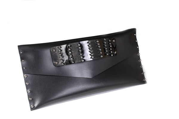 Bags The Curvy Clutch