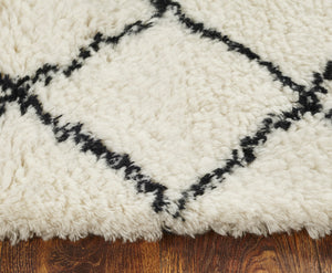 Wool HandTufted Carpet _ Cross White /Black
