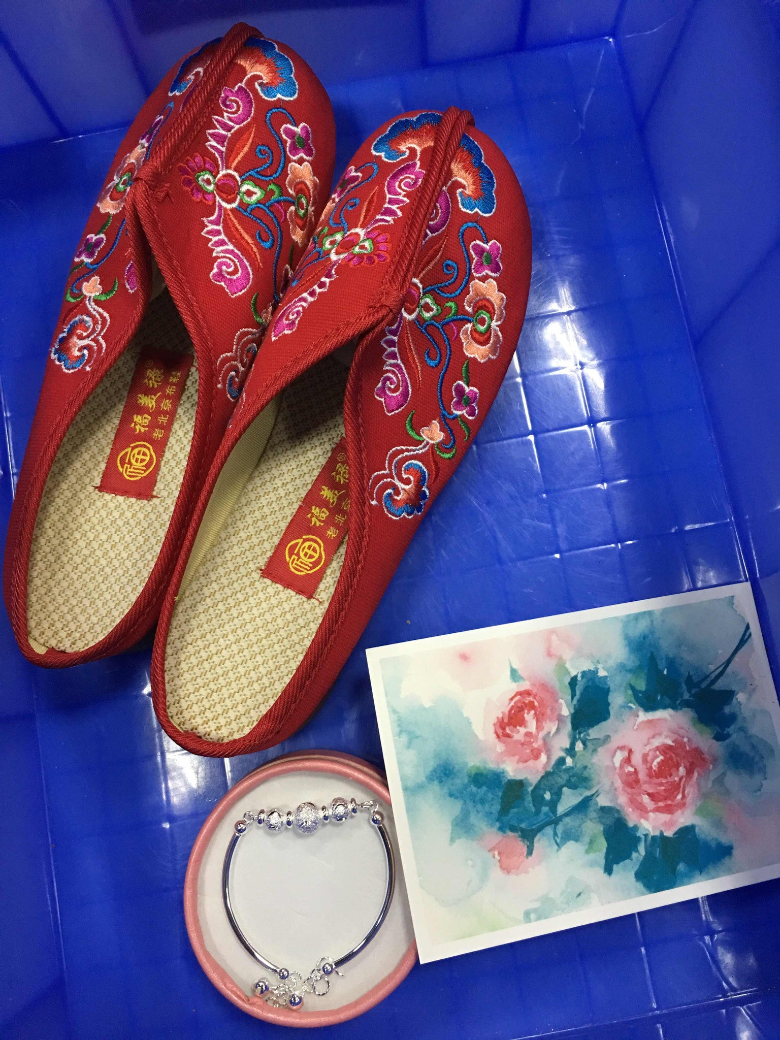 embroidered-shoes-with-thick-soles