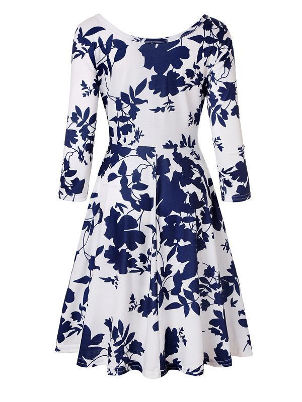 Women Round Neck Seven-quarter Sleeve Printed Dresses