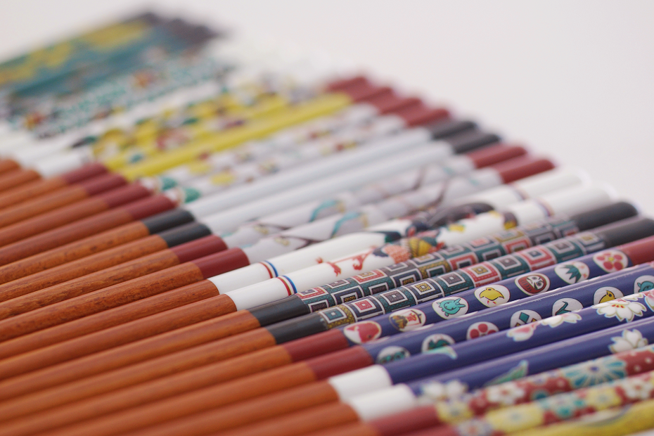 """Kutani Gosai (5 Colors)"" in Janese Representative Chopsticks"