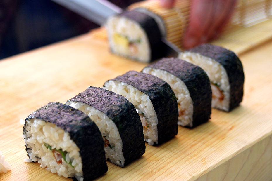 Let's Cook Rolled Sushi at Home!
