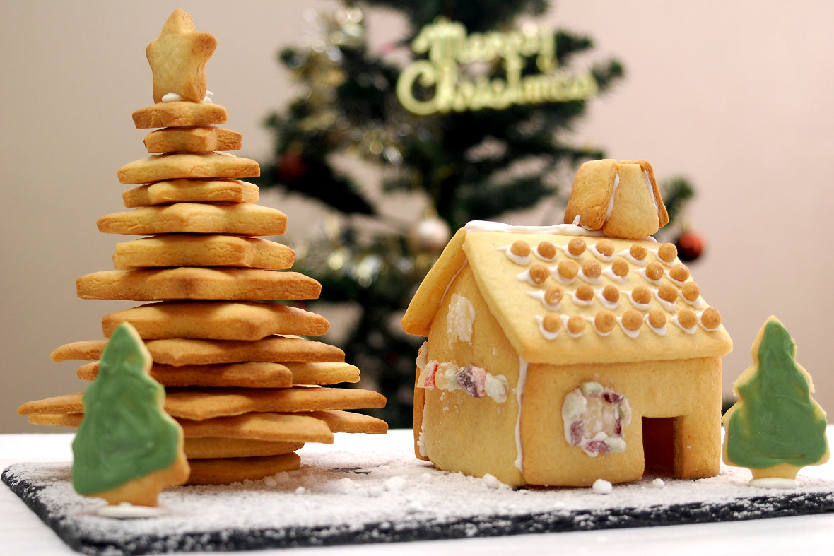 Materialize a Fairy Tale Candy House with Cookie Cutters and Make Your Christmas More Romantic with the Edible Diorama!