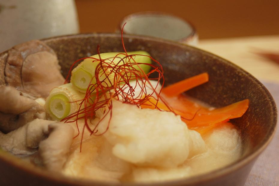 Try classic Japanese hot pot recipes in cold weather!
