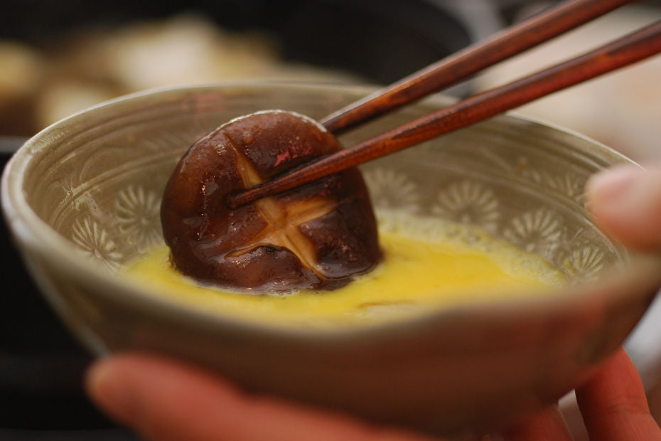 Raw eggs in Japan are safe enough to eat, so it is common to dip the ingredients in raw eggs when eating Sukiyaki. However, it also tastes good without egg.