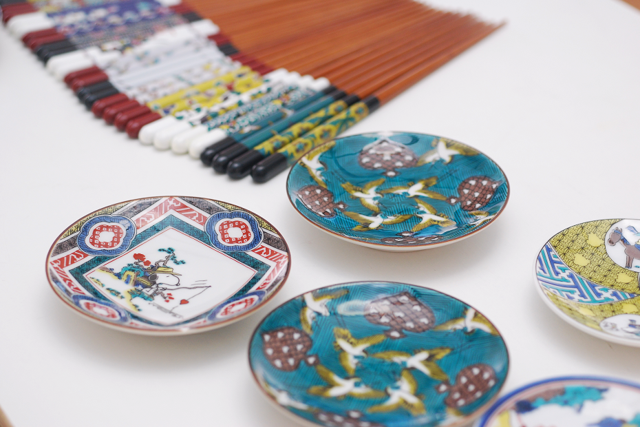 Collaboration of Kutani Painting and Wakasa Lacquer Chopsticks
