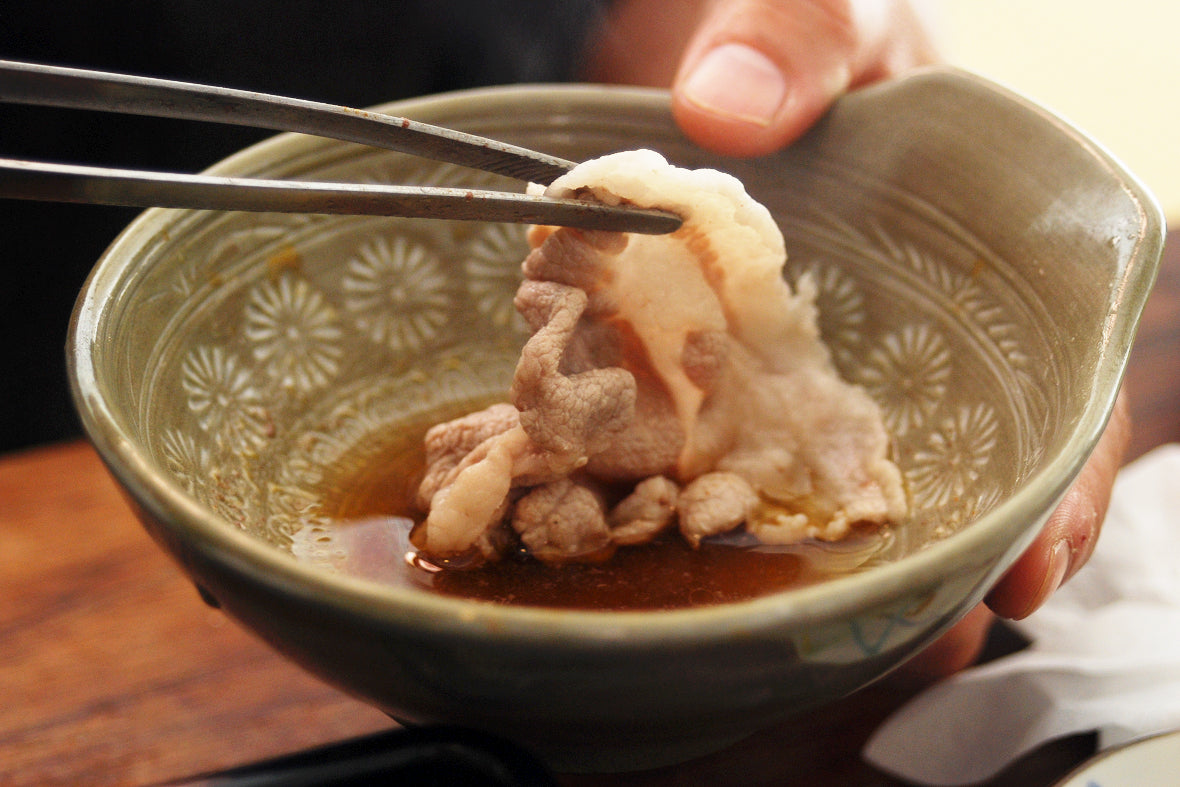 Eat with your favorite dropping sauce such as Ponzu sauce and sweet sesame sauce.