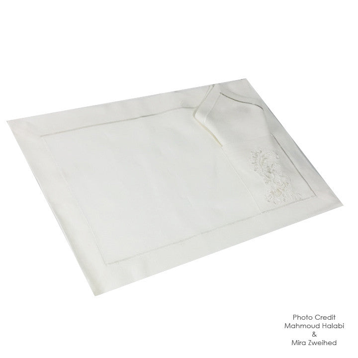 Chic White Pocket Place Mat and Napkin Set