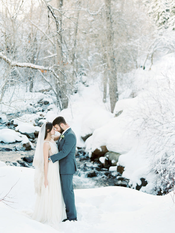 Winter Wonderland Elopement Inspiration