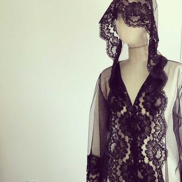 Amalfi Hooded Tulle & French Lace kimono robe Bridal Lace cover up black