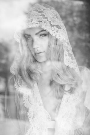 Amalfi Boudoir Hooded Tulle & French Lace Robe kimono