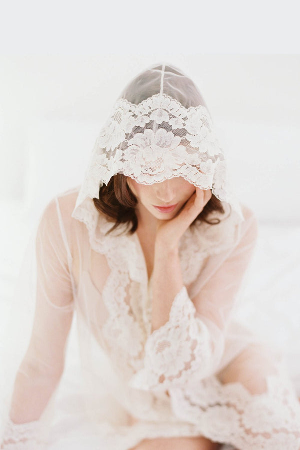 Amalfi Hooded Tulle French Lace Robe kimono Ivory