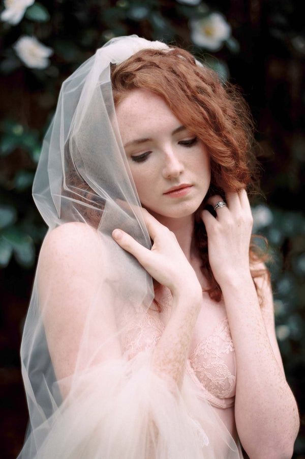 ELIZA TULLE AND FRENCH LACE BRIDAL VEIL IN IVORY