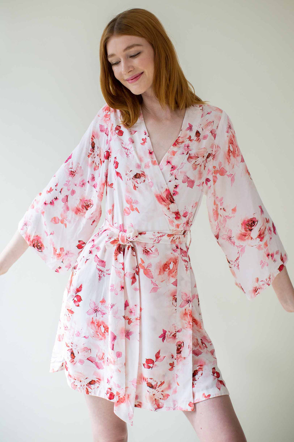 Botanical love Bridesmaids Robes Bridal Robe in Pink floral