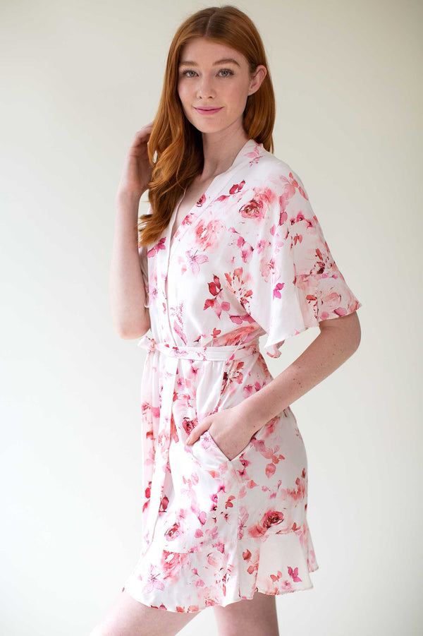 Botanical love Flounce robe in Pink floral