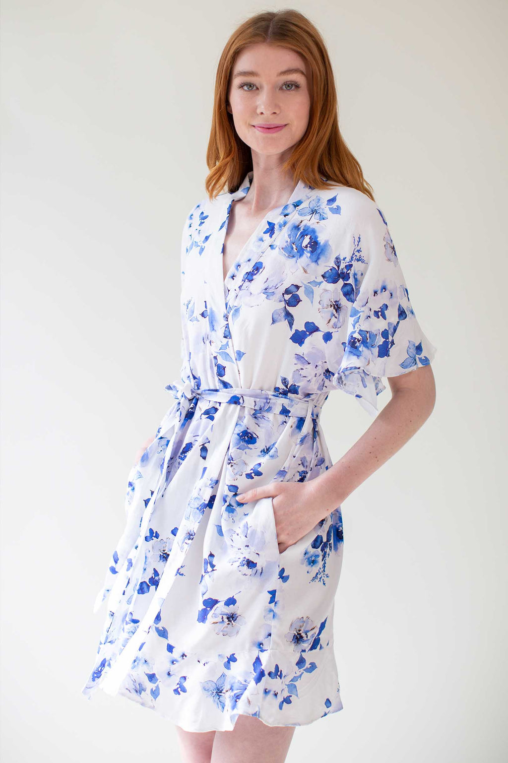 Botanical love Flounce robe in Blue floral