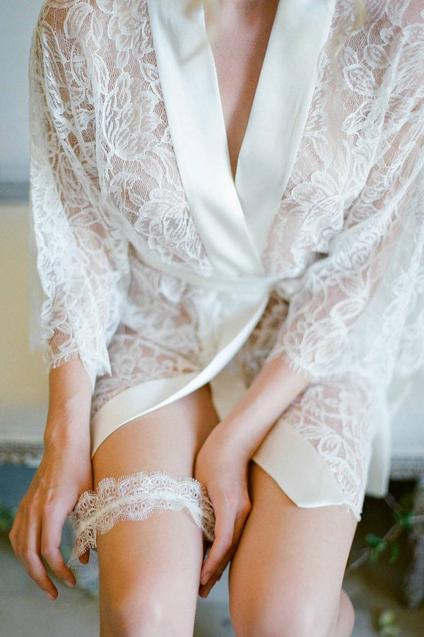 DAINTY FRENCH LACE GARTER IN IVORY