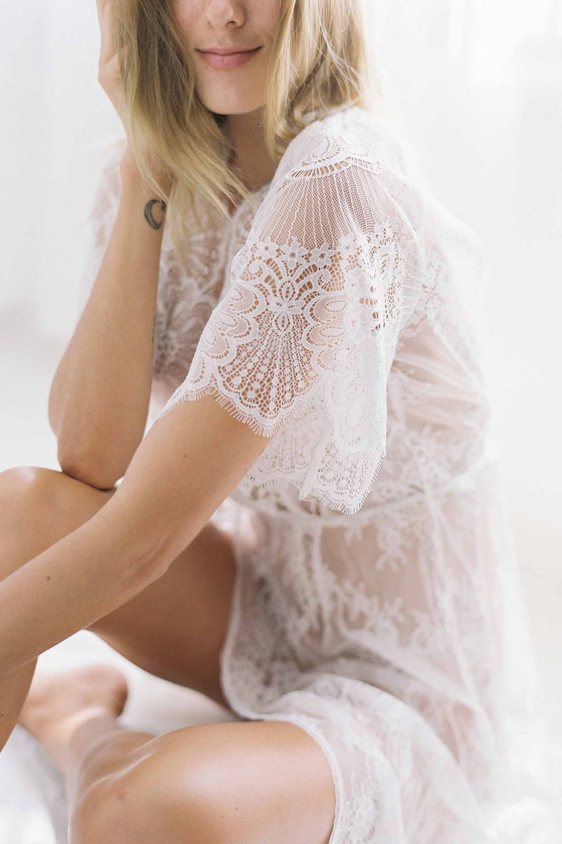 Harlow Lace robe in Ivory