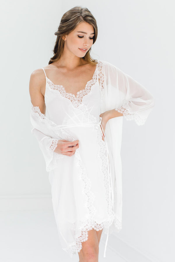 Lille Silk Chiffon and lace kimono robe in Ivory