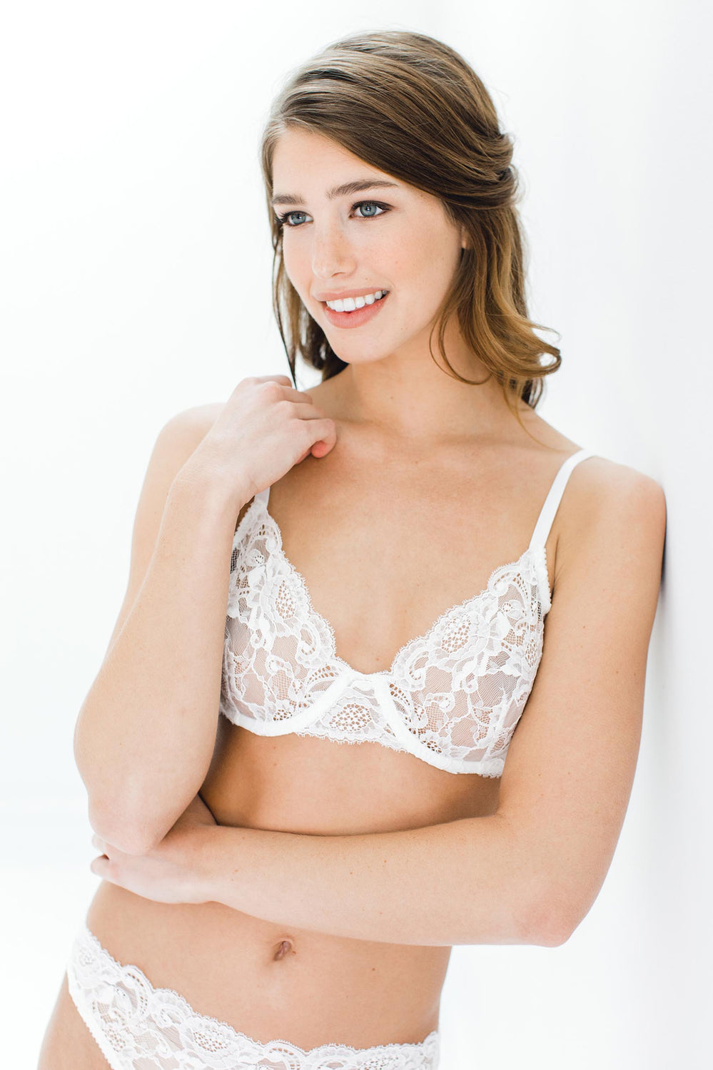 5effca1792 Peony French lace underwire Full cup bra in Ivory ...