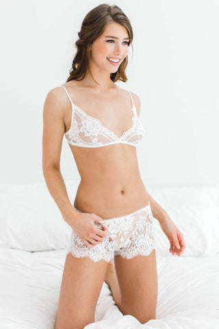 Commando Perfect Stretch Lace Bikini Panties in Ivory Or Blush Pink