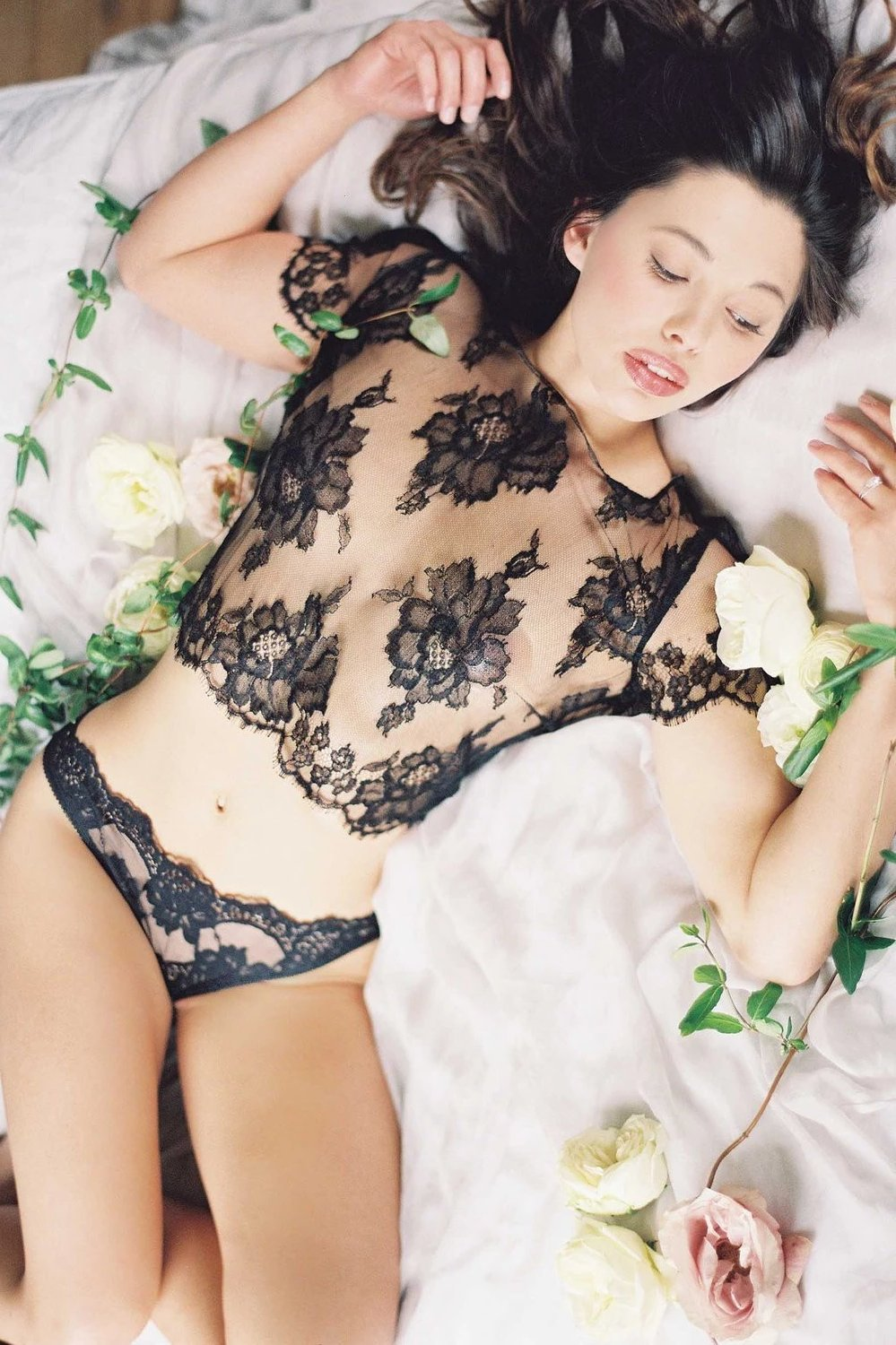 Rosa Scalloped French lace Panties briefs in black