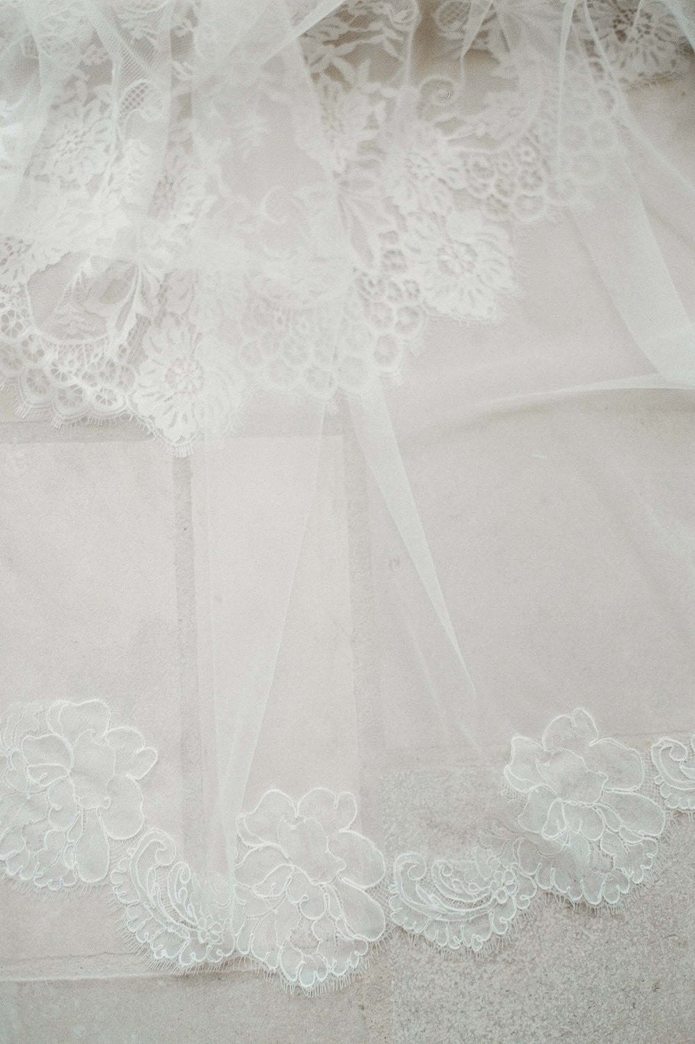 Jacqueline Sheer French lace scallop veil