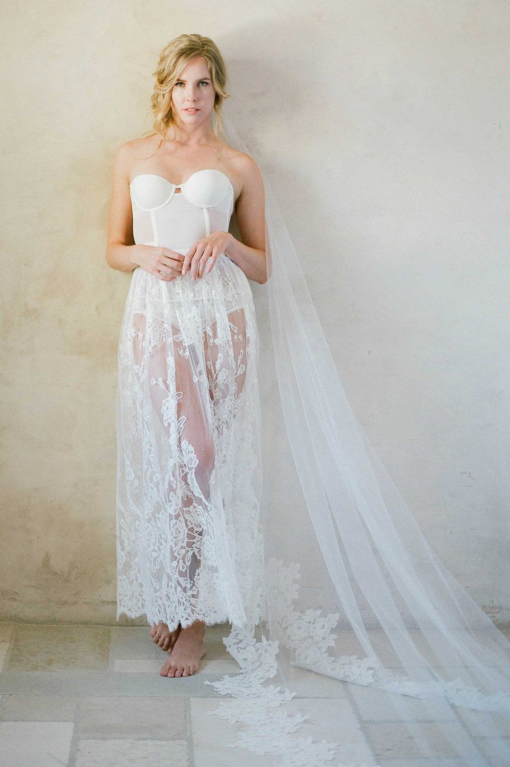 Lush Alencon French Lace One Tier Veil - style V74