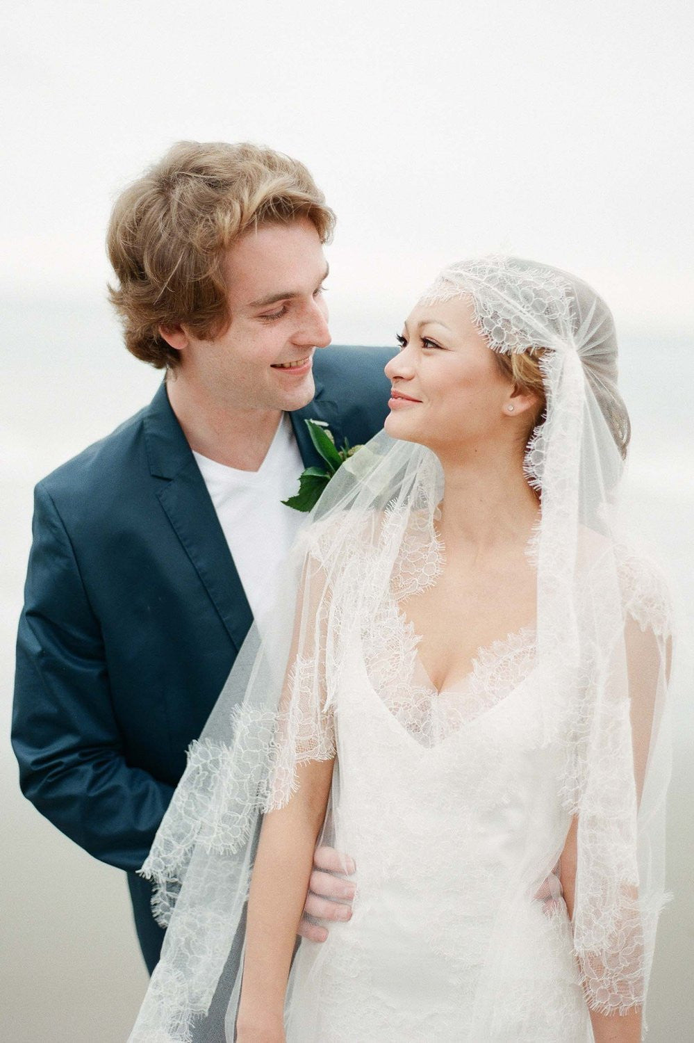 Mar Scalloped French Lace Juliet Veil in Ivory silk tulle