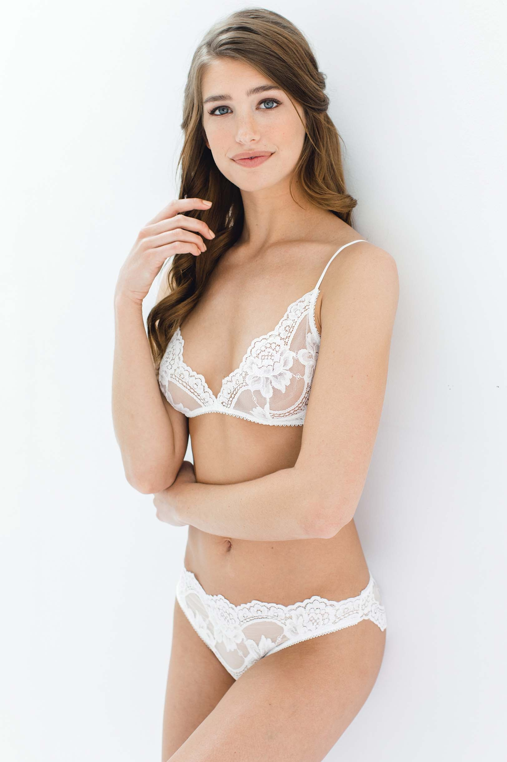 ef40ade090 Rosa Scalloped French Lace Bralette in Ivory