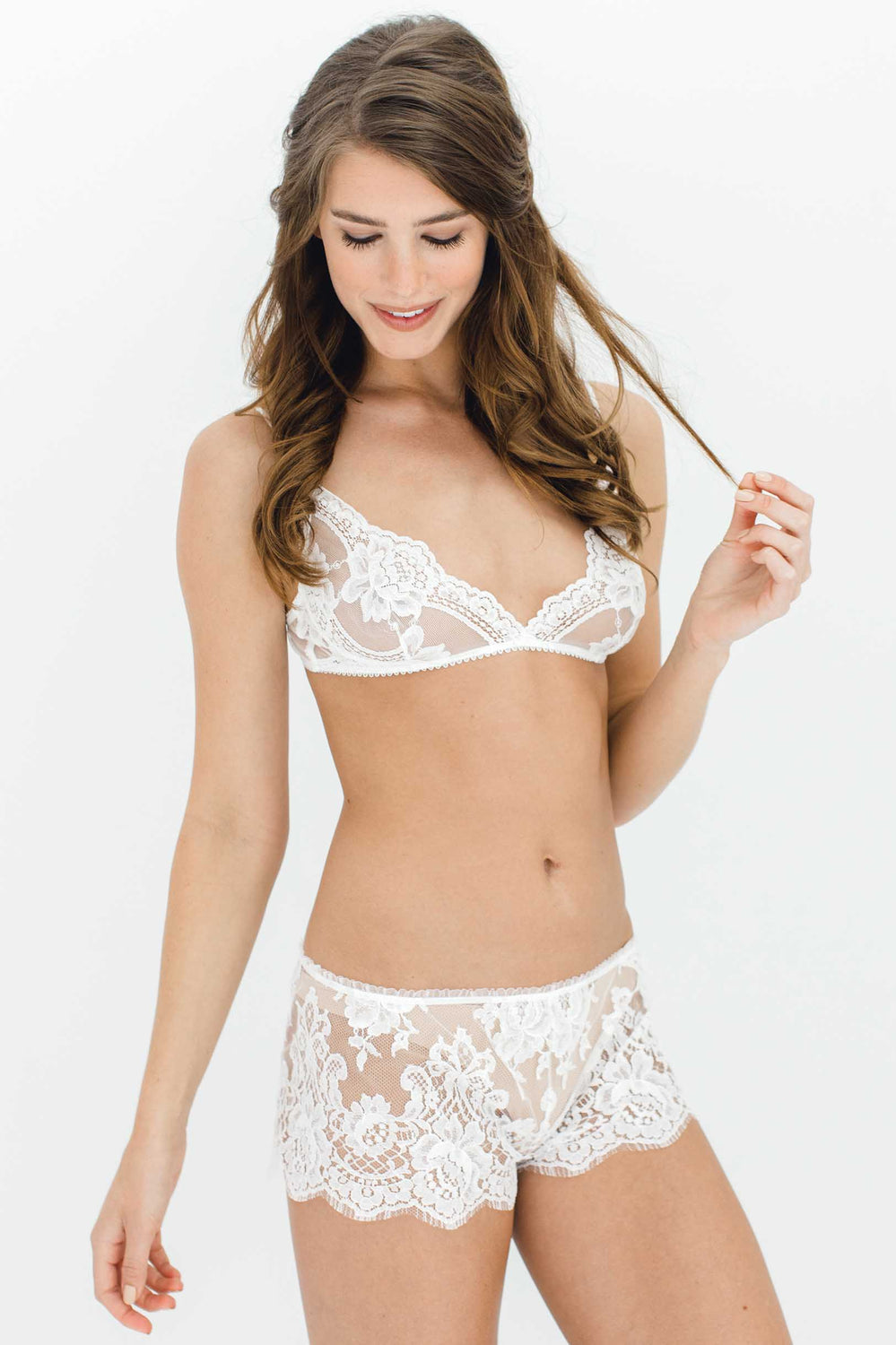 Rosa Scalloped French lace shorties shorts in Ivory
