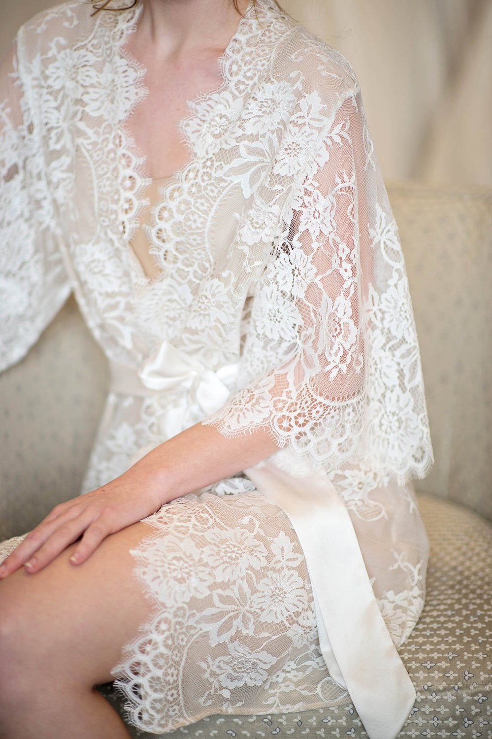 beautiful and charming wide selection of colors unbeatable price Swan Queen silk and lace robe kimono Ivory with nude lining - style 104SH