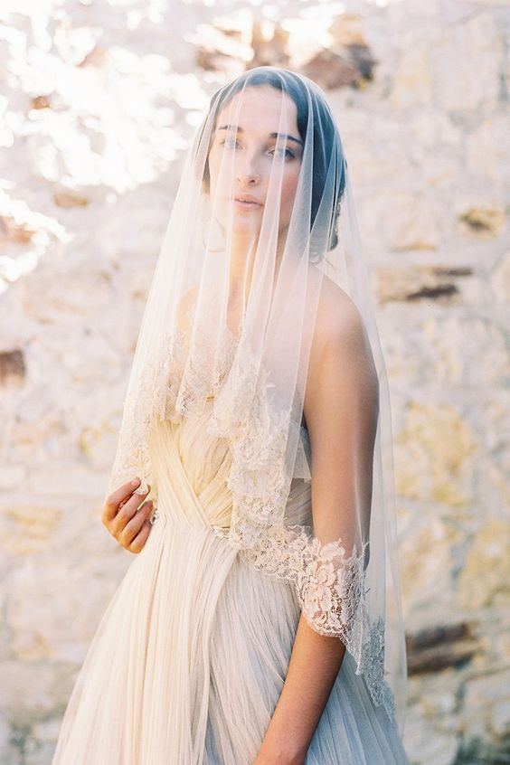 Gilded French Lace drop veil in Ivory Gold Type a Society Tec Petaja