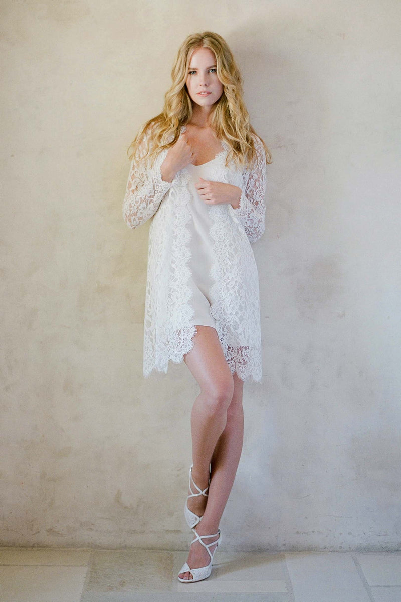 Anthropologie Giselle Leavers Lace Robe bride getting ready Jose Villa Bella belle shoes
