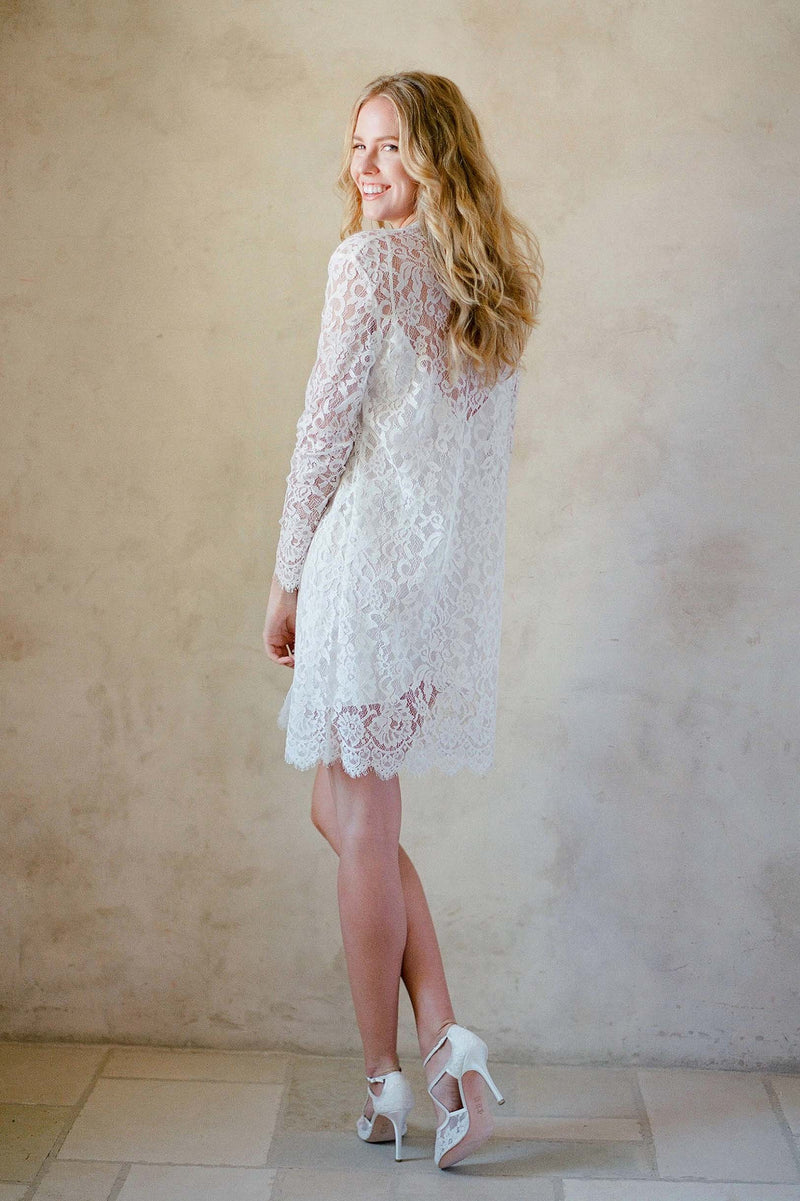 Anthropologie Giselle Leavers Lace Robe bride getting ready Jose Villa Bellabelleshoes
