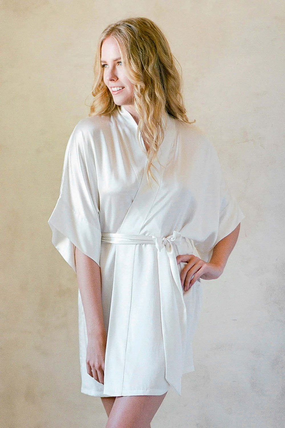 SAMANTHA SILK KIMONO ROBE IN OFF WHITE - STYLE 300